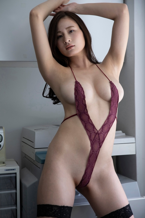V字水着 (Sling Bikini) 32
