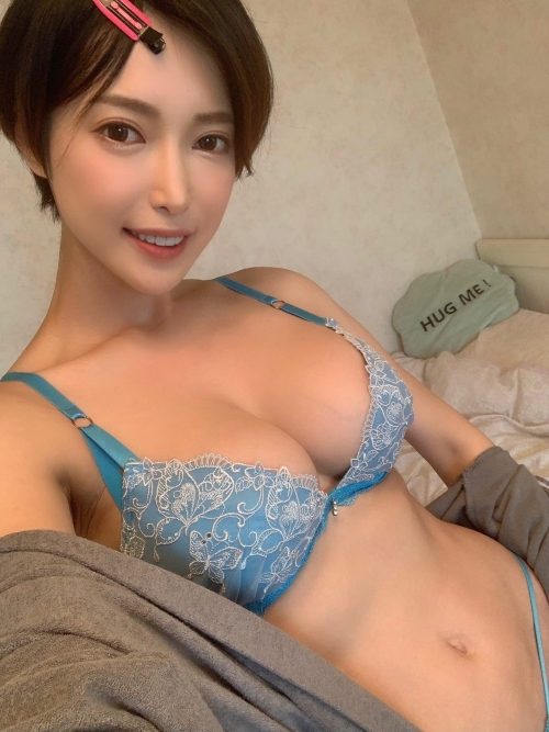 巨乳人妻・熟女AV女優 17
