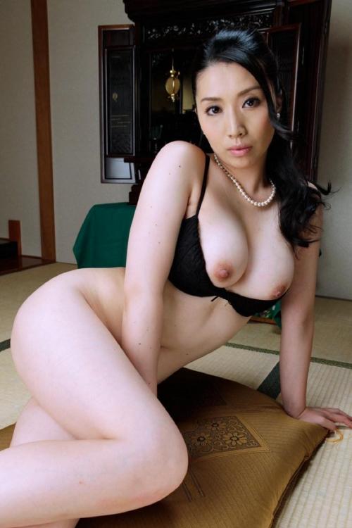 巨乳人妻・熟女AV女優 29