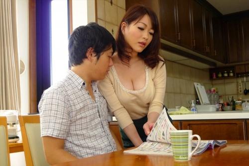 巨乳人妻・熟女AV女優 31