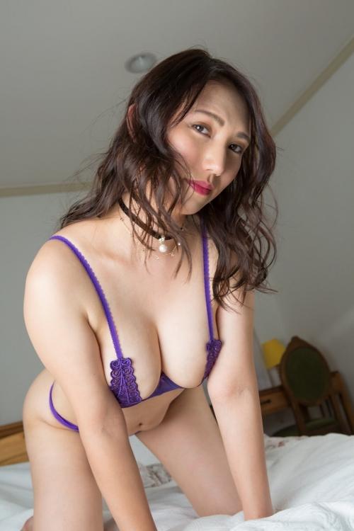 魅惑のセクシーランジェリー 04