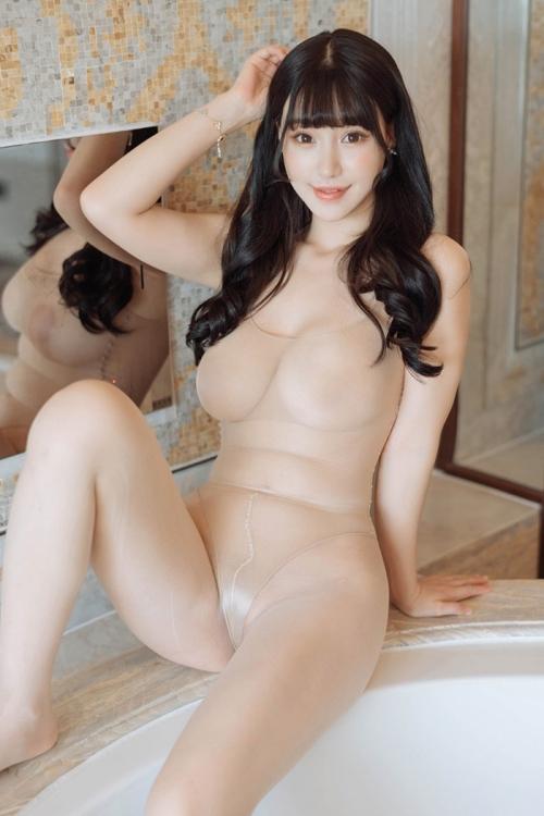 魅惑のセクシーランジェリー 31