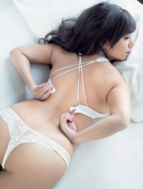 魅惑のセクシーランジェリー 32