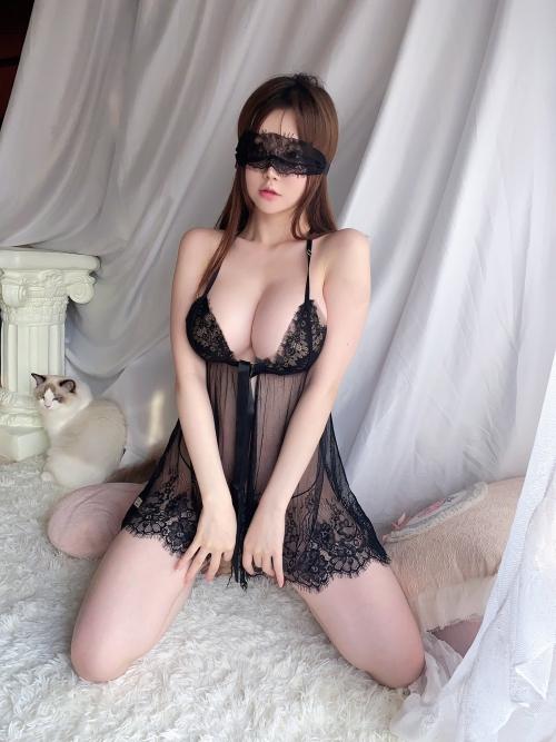 魅惑のセクシーランジェリー 44