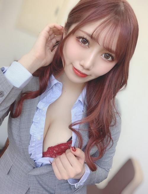 情熱の赤いセクシーランジェリー 12