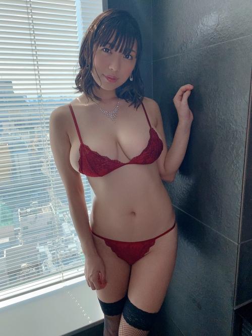 情熱の赤いセクシーランジェリー 39
