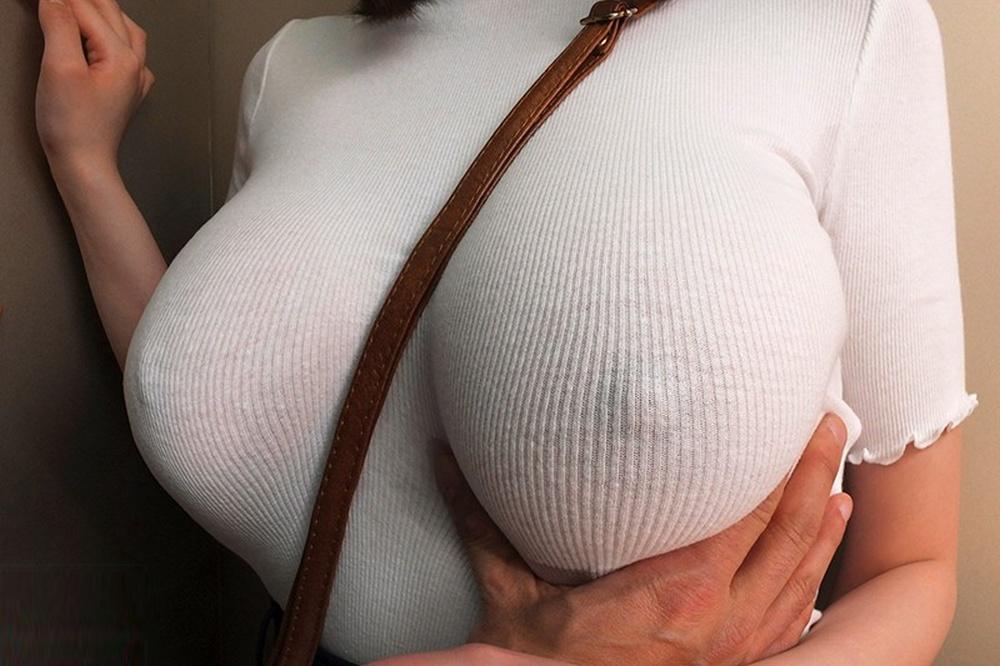 パイスラしてるニット着衣巨乳おっぱい 50