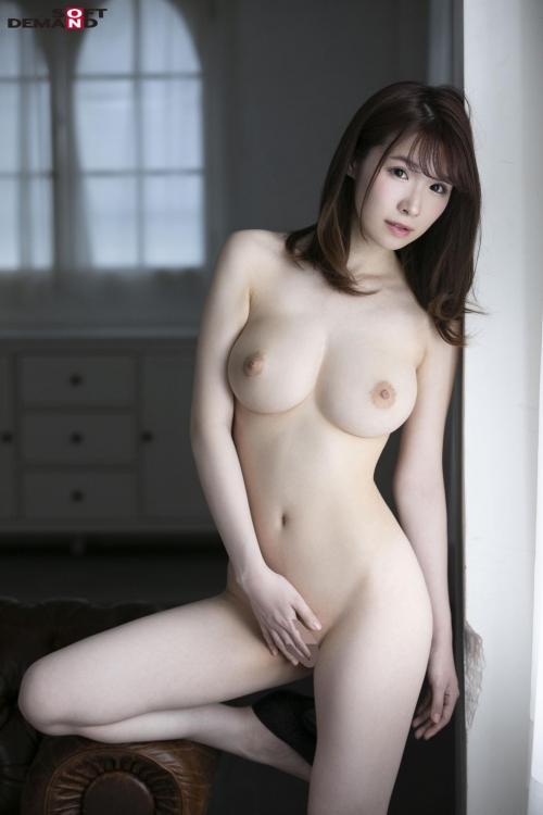 AV女優 舐めて吸いたくなるエロい乳首のおっぱい 09
