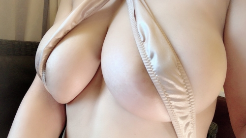 巨乳 下乳 02