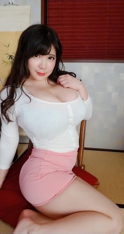 着衣巨乳 24