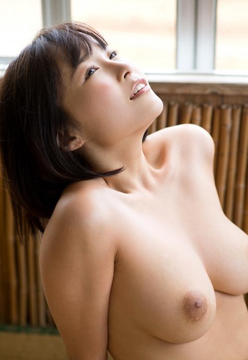 AV女優 舐めて吸いたくなるエロい乳首のおっぱい 13