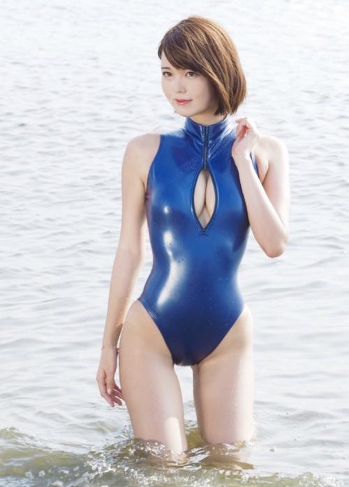 ぱっくり胸開き競泳水着 24