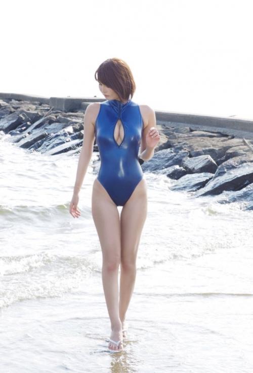 ぱっくり胸開き競泳水着 25