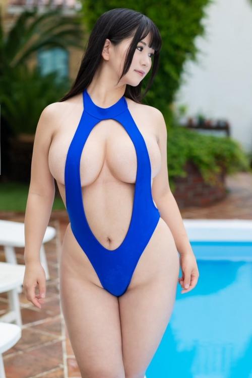 ぱっくり胸開き競泳水着 38