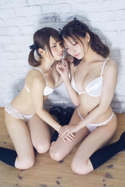 白のセクシーランジェリー 22