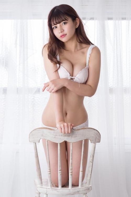 白のセクシーランジェリー 33