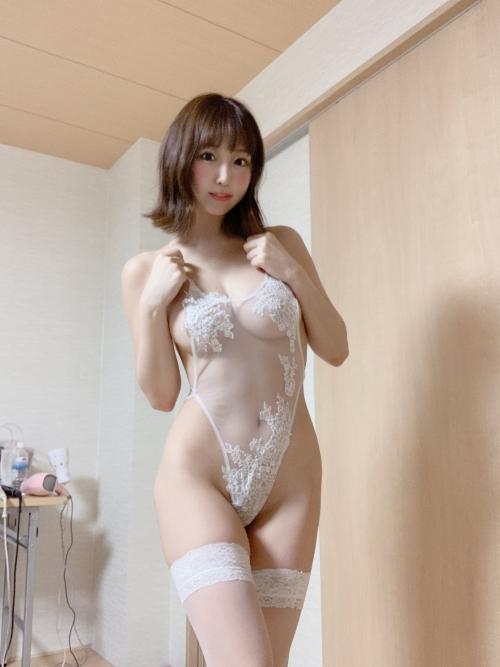 白のセクシーランジェリー 36