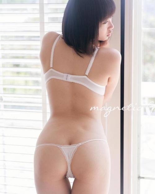 白のセクシーランジェリー 56
