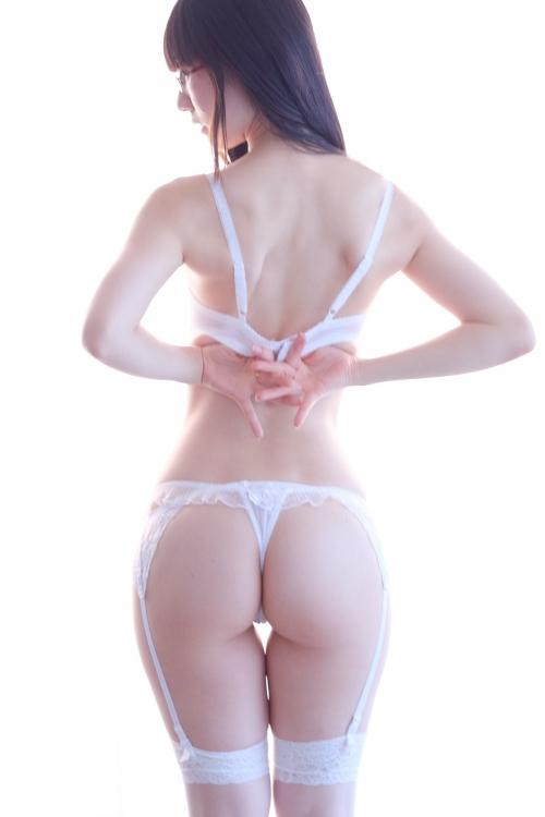 白のセクシーランジェリー 97