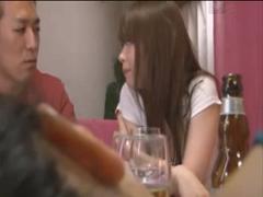 飲み会で初めて会った親友の彼氏に告りやっちゃう子