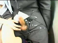 JKがバスの中でサラリーマンを逆痴x!キス手コキで爆射!