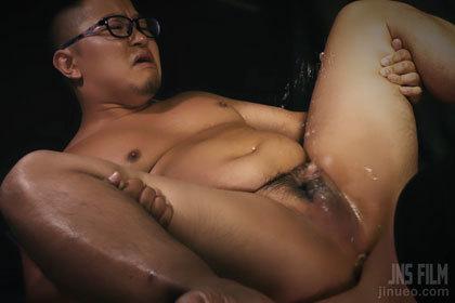 大量潮吹き!ガチポチャ君と生堀り種付けセックス.jpg