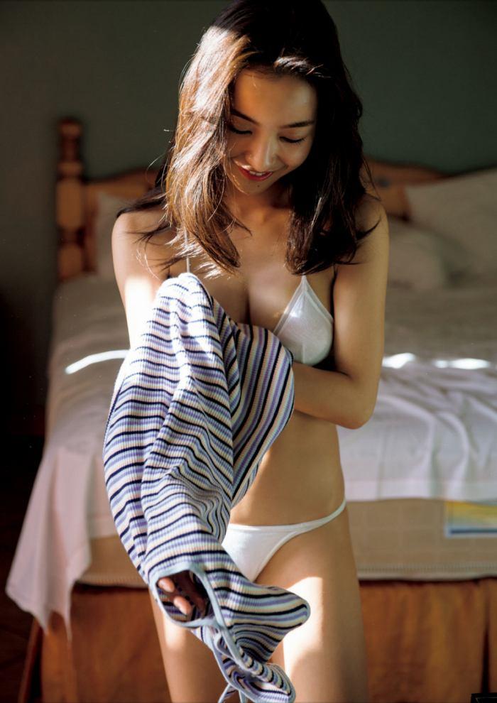 板野友美_033
