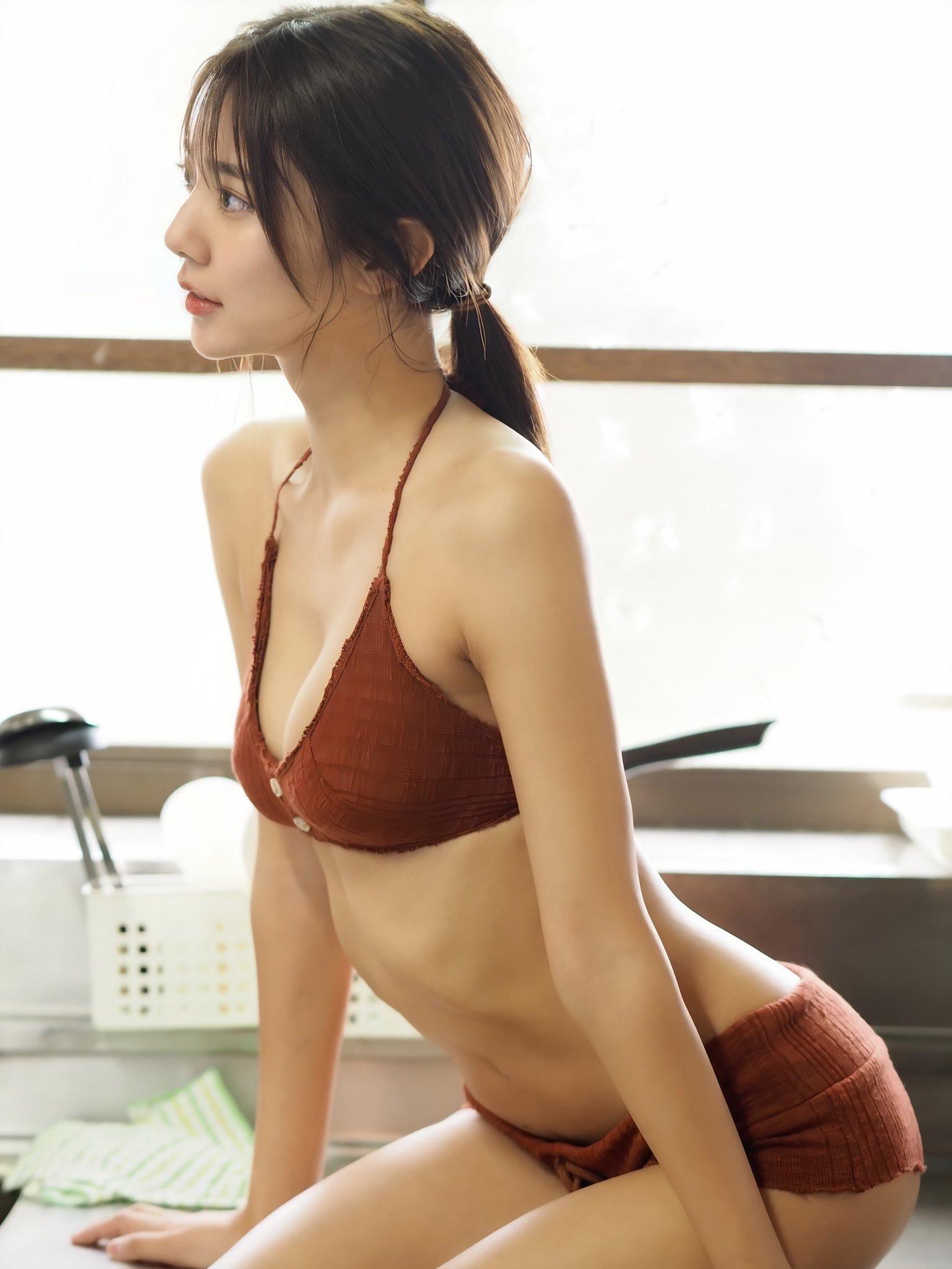 川津明日香234