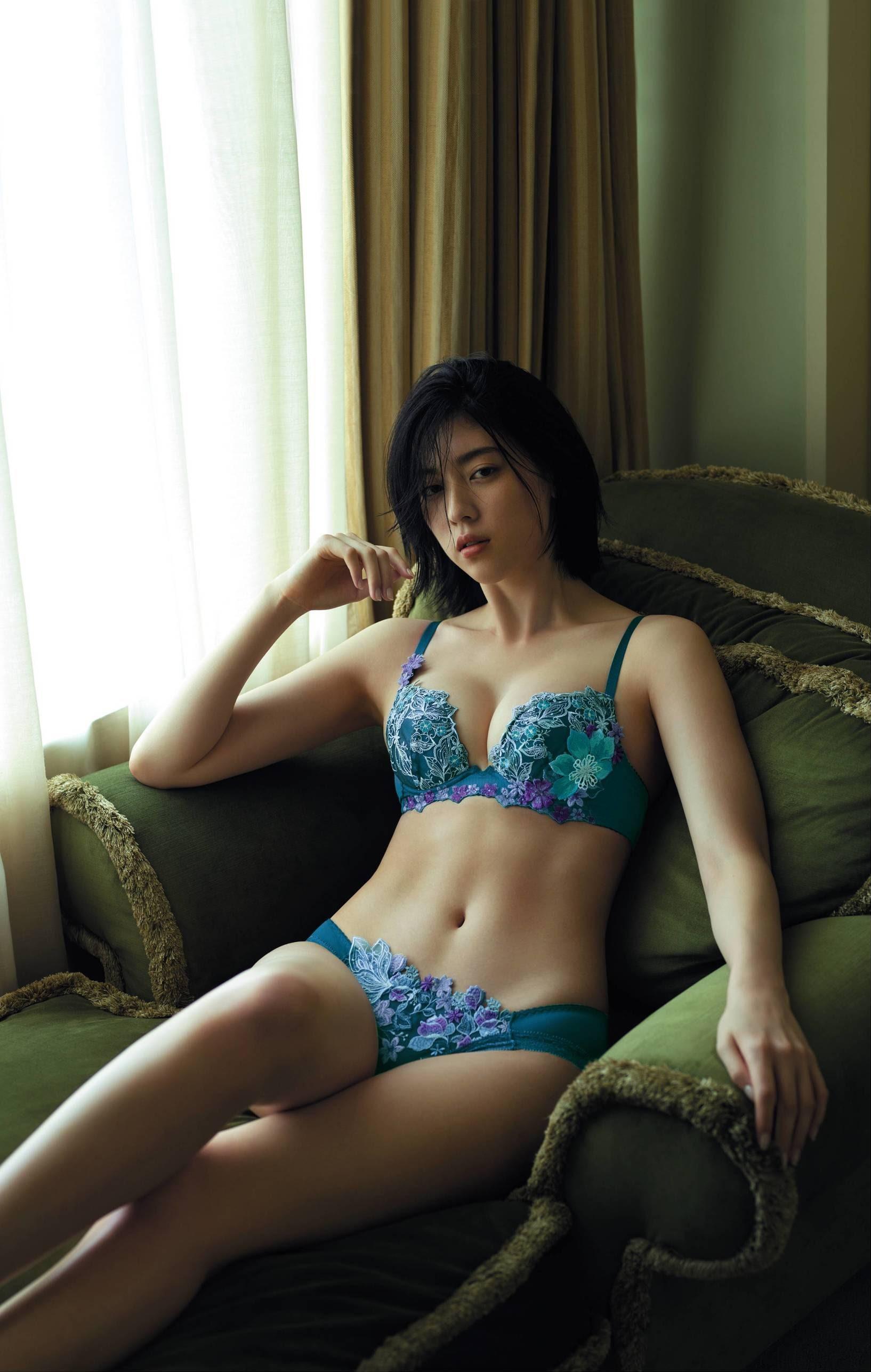 三吉彩花63