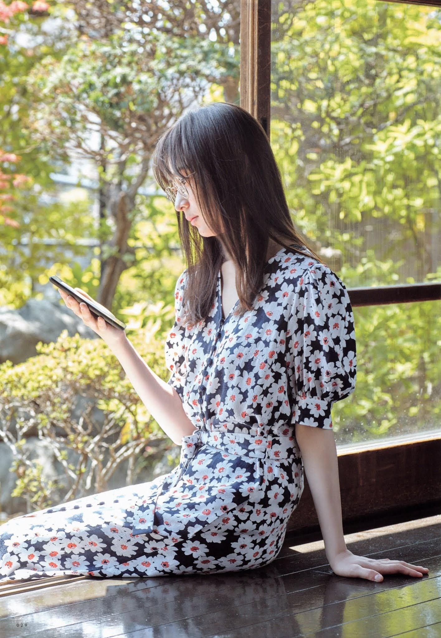 鈴木絢音12