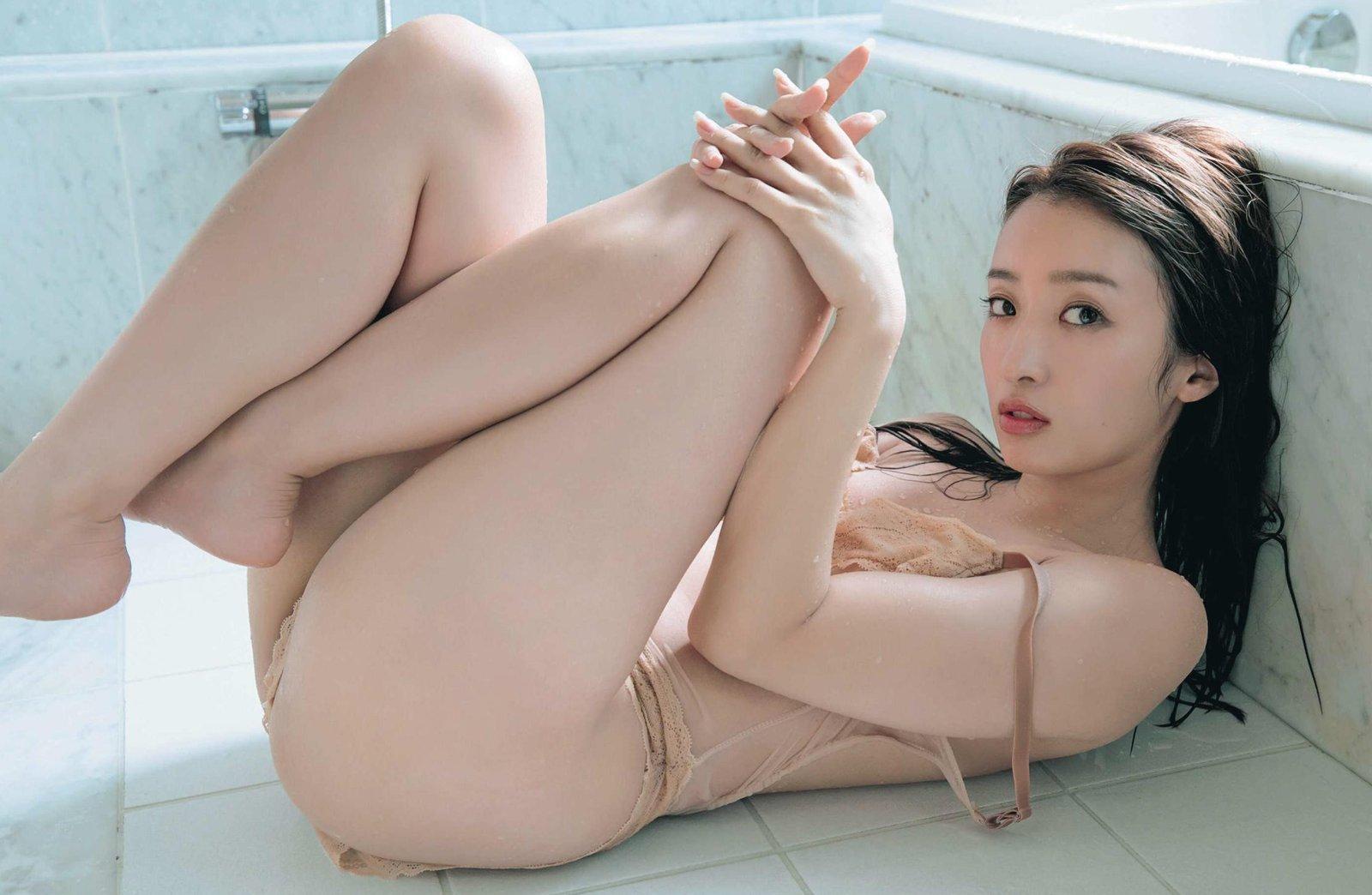 梅田彩佳8