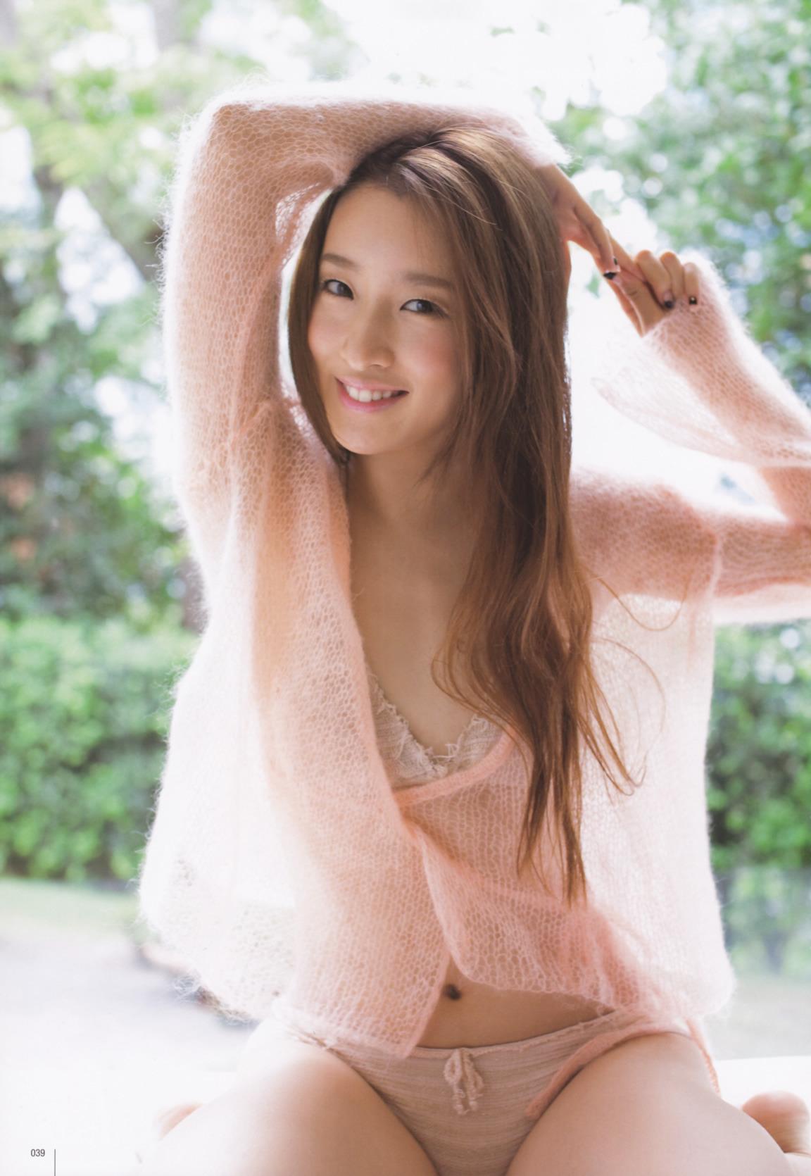 梅田彩佳28