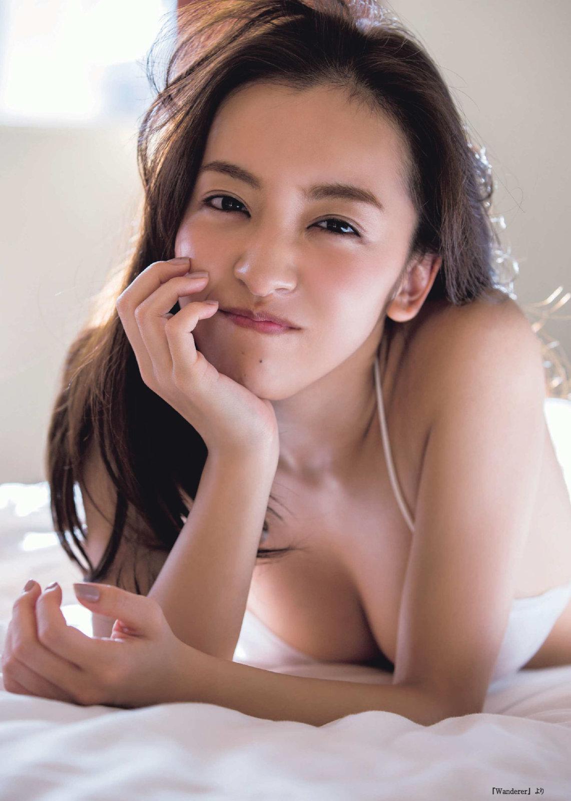 板野友美18