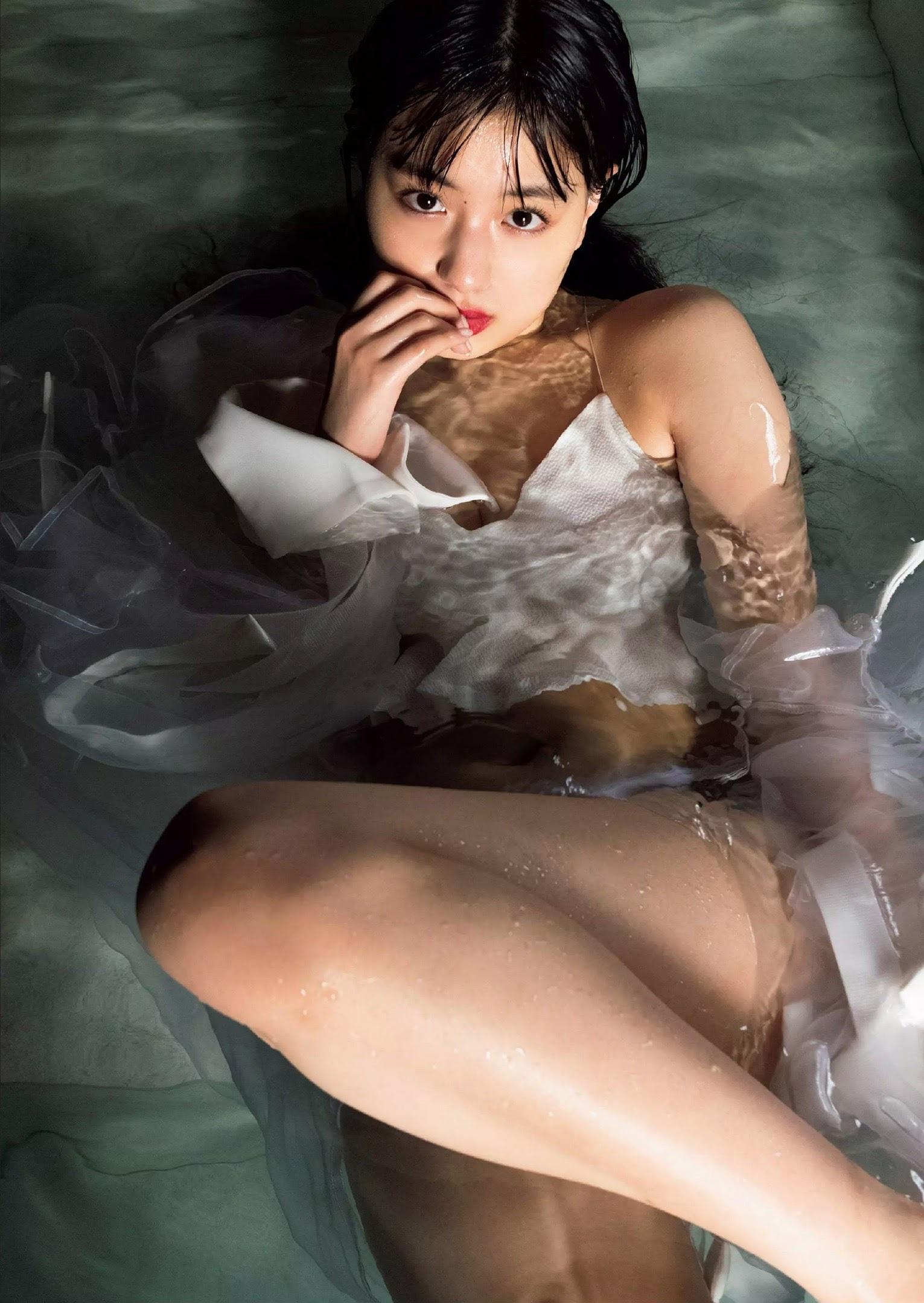 鶴嶋乃愛52