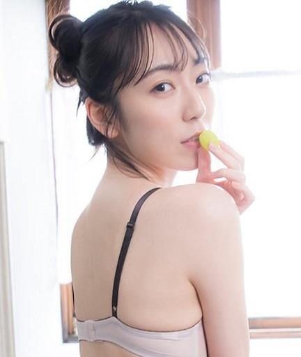 松井咲子28