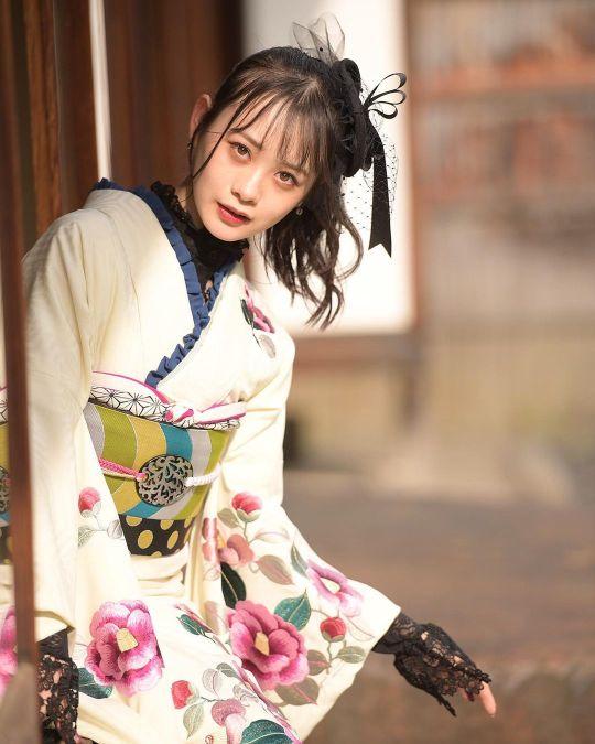 Yui Yokoyama 23
