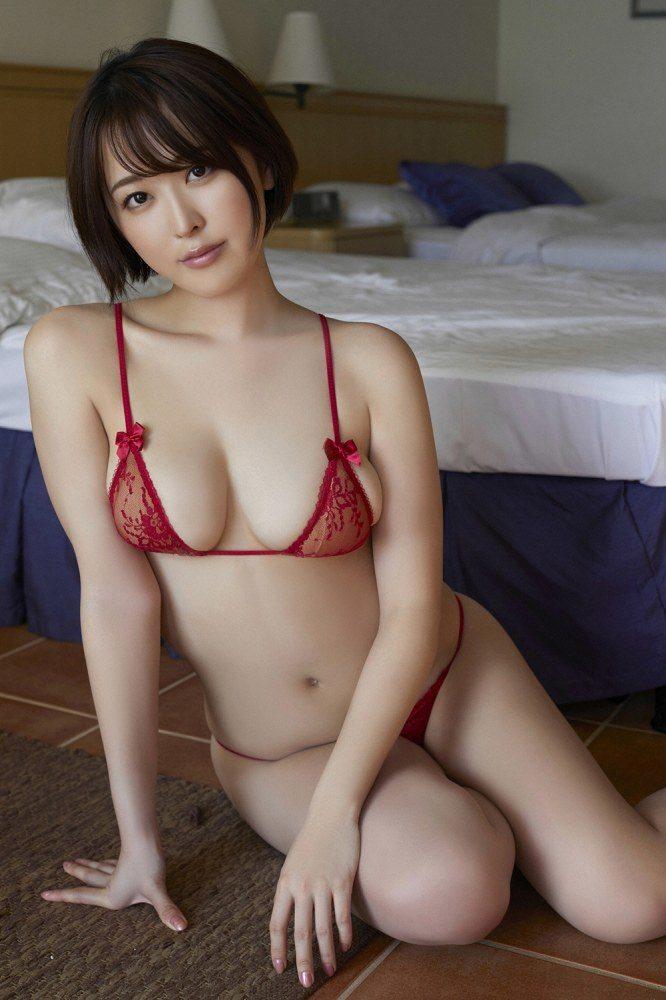 sara_053-666x1000.jpg