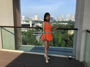 屋上オレンジワンピ②