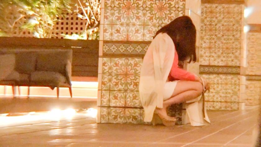 酩酊状態の女の子をホテルにお持ち帰りしてソファで爆睡し始めた所をハメ撮り中出しする事案が発生wwwwww