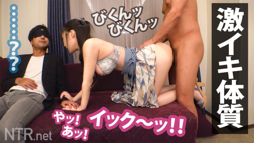 【NTR】彼氏の真横で始まる彼女の寝取られSEX!終始不機嫌な彼氏をよそに甘い声が漏れ出すwww