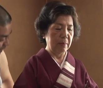 還暦女優の富士さかえ