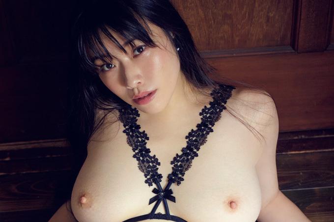 小田飛鳥 圧巻のIカップ裸体!