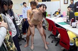 職場で男女がヤり始めてるエロ画像 part9