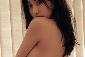 佐野ひなこ、裸体がエッチ過ぎる!乳房やお尻、プリプリしてるなぁw