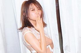 乃木坂46秋元真夏 セクシー下着でほくろ付き美巨乳解禁