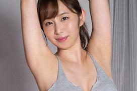 塩地美澄アナ、乳輪ギリギリまで巨乳を見せつける!