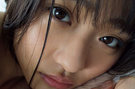 Rの法則レギュラー出演していた石田桃香(22)、同棲を想像させる最新グラビアでおっぱいの殆どを見せちゃってるww