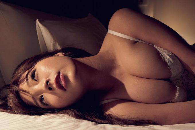 川村那月 Gカップ女優、渾身ヌーディー。