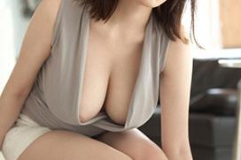 誰もが好物な巨乳の胸の谷間画像 part81