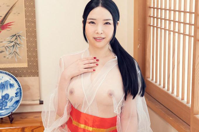 宮澤さおり 透けた浴衣で大人の癒しのおもてなし。